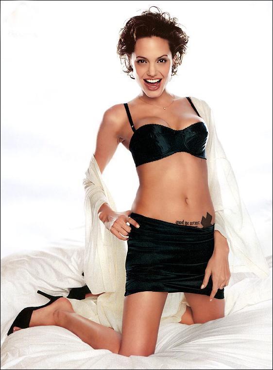 Angelina_Jolie02